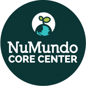numundo-core-center-badge-darkbg